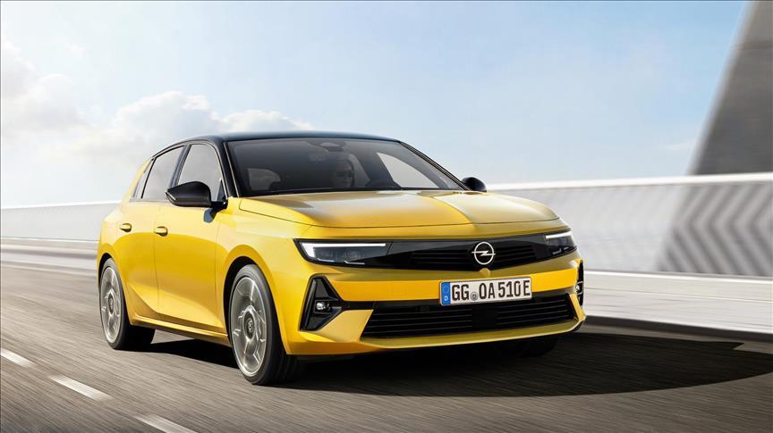 Opel Astra, şarj edilebilir hibritle elektriklendi